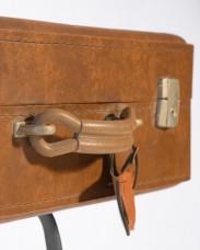 Mesa-vintage-maleta-antigua-detalle-1
